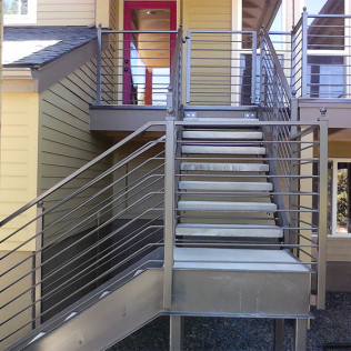 deck rail contracting